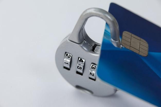 Smart card protetta con blocco numerico
