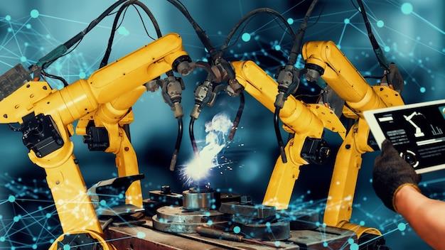Modernizzazione dei bracci robotici industriali intelligenti per una tecnologia di fabbrica innovativa