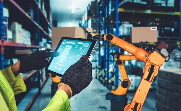Sistemi di bracci robotici intelligenti per una tecnologia digitale innovativa di magazzino e di fabbrica