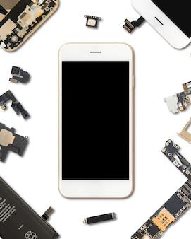 Componenti per smartphone isolato su bianco