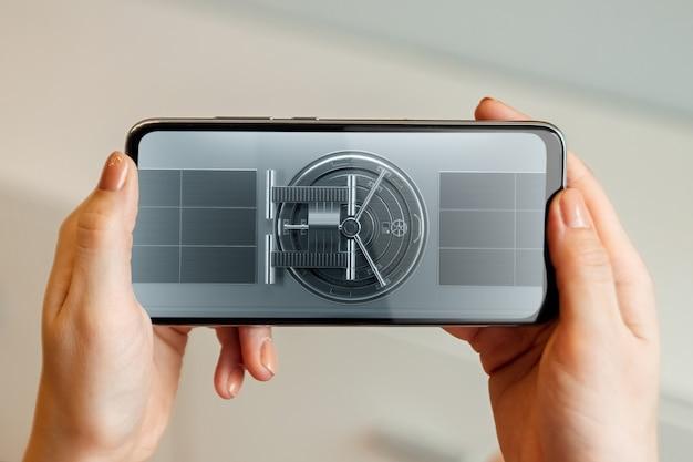 Concetto di protezione dello smartphone, sicurezza mobile