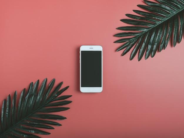 Decorazione mockup dello schermo dello smartphone su pastello.