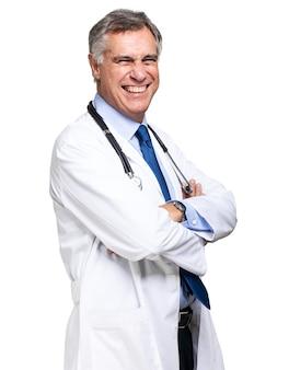 Sorridente medico con lo stetoscopio. isolato