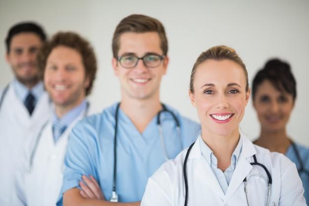 Equipe medica sorridente