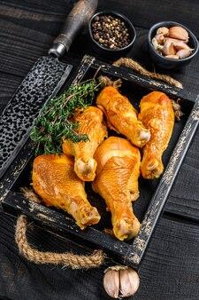 Cosce di pollo affumicate con erbe e spezie