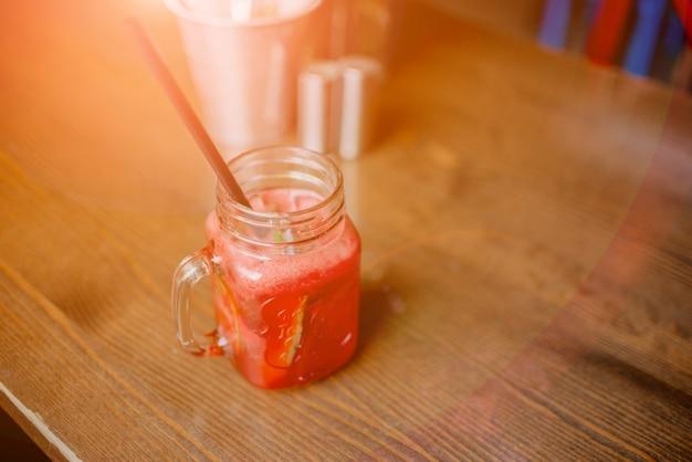 Frullato di frullato bere sano concetto di frullato.