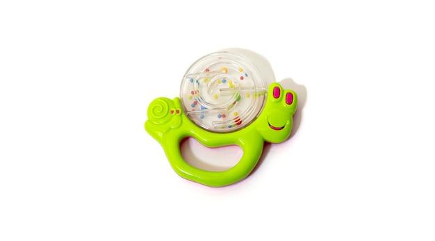 Lumaca sonaglio giocattolo isolato su sfondo bianco