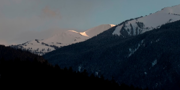 Montagne innevate, whistler, columbia britannica, canada