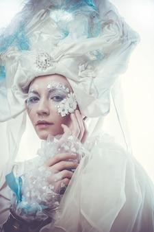 Snow queen su bianco