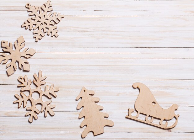Fiocchi di neve su legno