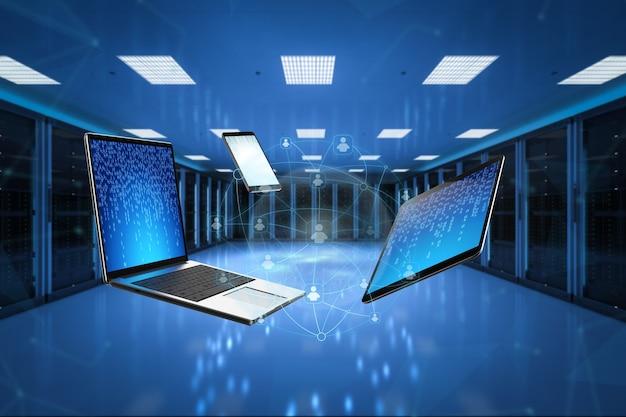 Concetto di social media con tablet computer notebook e telefono cellulare