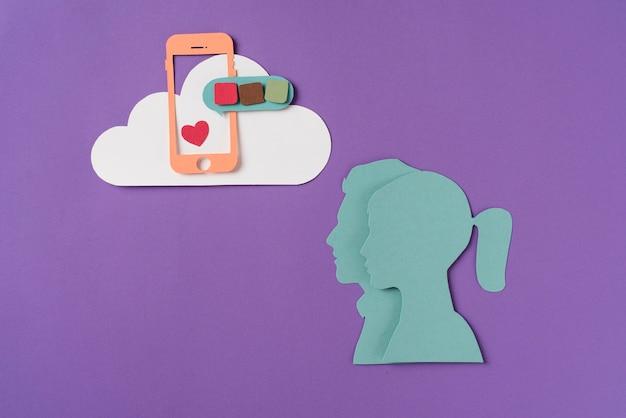 Concetto di social media con forme di persone
