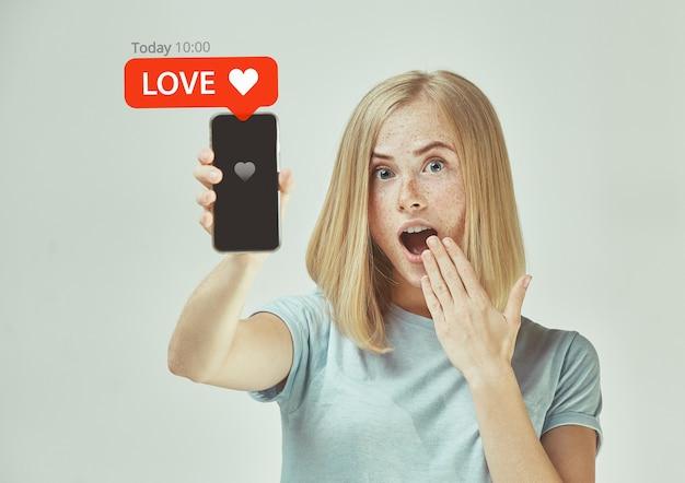 Interazioni sui social media sul cellulare