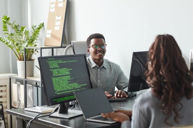 Sviluppatori di software in office