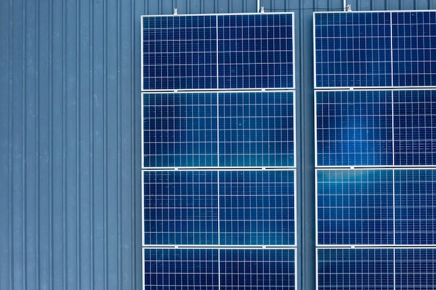 Celle solari sul tetto, risparmia energia