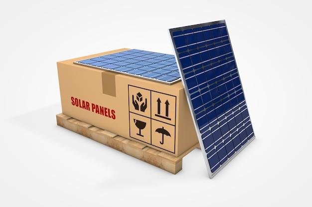 Pannelli solari all'interno di una scatola di cartone su pallet di legno
