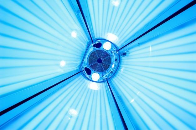Solarium lettino abbronzante, vista dall'interno
