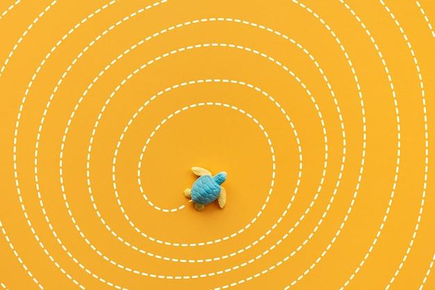 Soluzione e risoluzione di concetti con tartaruga bambino che si muove sulla linea del labirinto