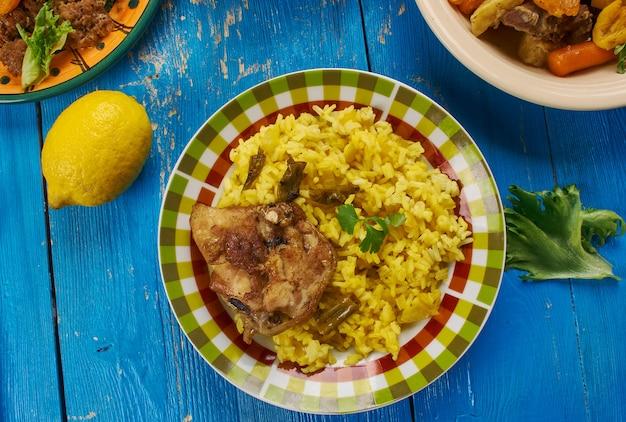 Biryani sudafricano, cucina sudafricana, piatti tradizionali assortiti, vista dall'alto.