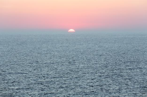 Capo sud dell'isola di lefkada (grecia, mar ionio)