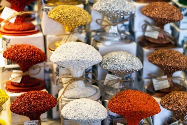 Negozio di souvenir dragon tree, icod de los vinos, tenerife, spain