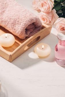 Spa e aromaterapia fiore di rosa e olio essenziale