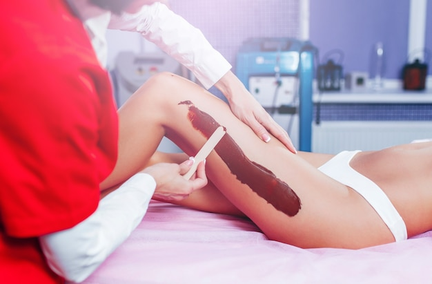 Maschera termale al cioccolato per trattamento di lusso gambe