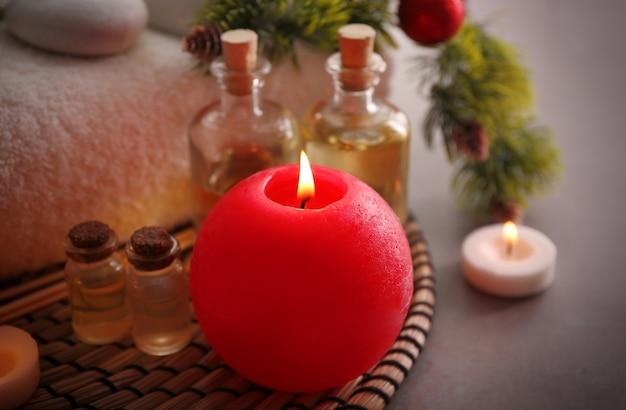 Trattamento spa con decorazioni natalizie