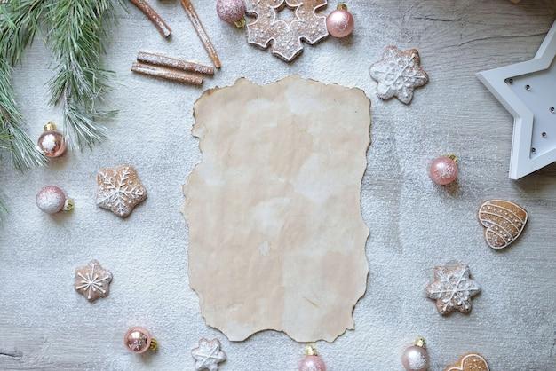 Spazio per il testo della ricetta rozhdest twensoko sul tavolo con l'arredamento di capodanno. concetto di cottura di natale.