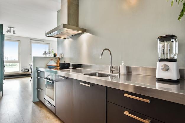 Design spazioso della cucina