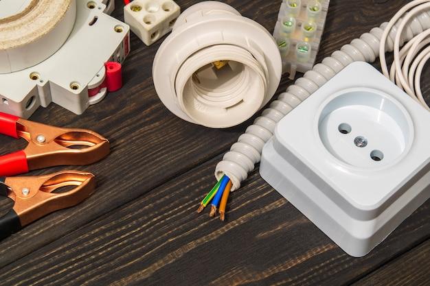 Ricambi per riparazioni elettriche su lavagne nere