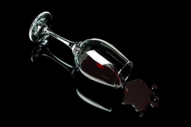 Bicchiere di vino versato come concetto di abuso di alcol