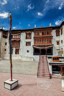 Monastero di spituk gompa. leh, ladakh, india