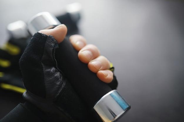 Sport e stile di vita sano accessori per lo sport tappetino da yoga manubrio e corda per saltare