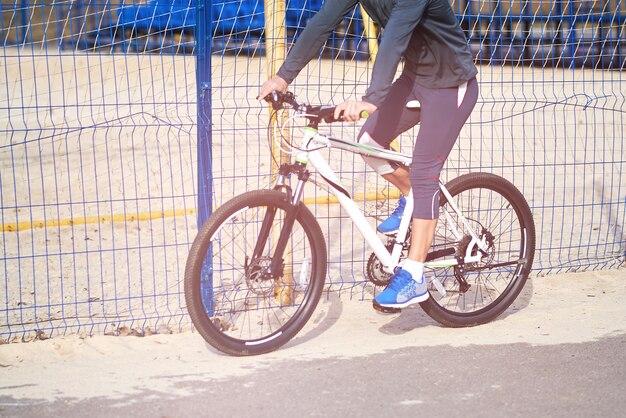Sportivo in bicicletta