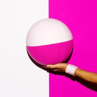 Vibrazione sportiva. design artistico minimo del pallone da calcio
