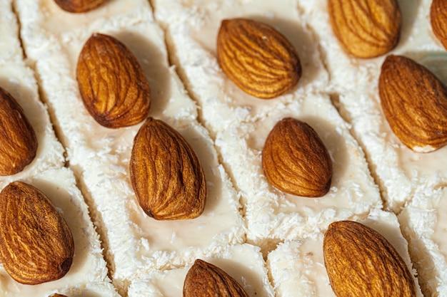 I dolci a forma di quadrato di lokum di delizia turca si chiudono su