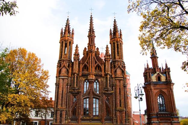 La chiesa di sant'anna è una chiesa cattolica romana nel centro storico di vilnius