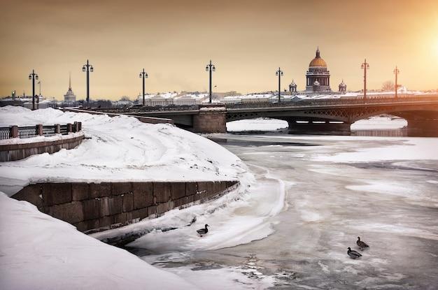 Cattedrale di sant'isacco in inverno san pietroburgo