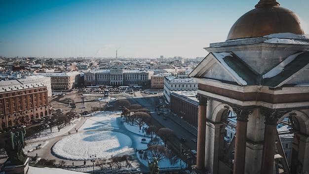 Punto di riferimento della russia di san pietroburgo, paesaggio urbano della cultura della costruzione russa di architettura
