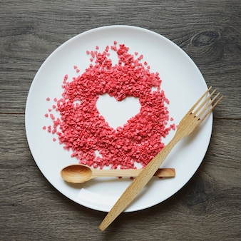 Impostazione di san valentino per il pranzo