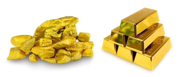 Impilare 6 lingotti d'oro da 1 kg e un gruppo di preziose pepite d'oro su sfondo bianco