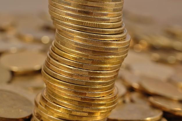 Pila di monete da vicino