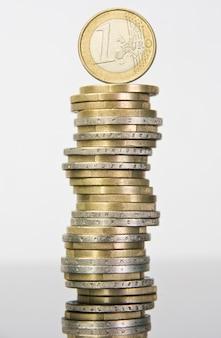 Pila di monete in euro