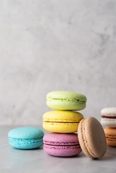Pila di macarons, amaretti biscotto francese
