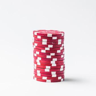 Pila di gettoni da poker rossi