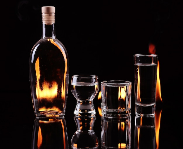Pila di tequila in fiamme
