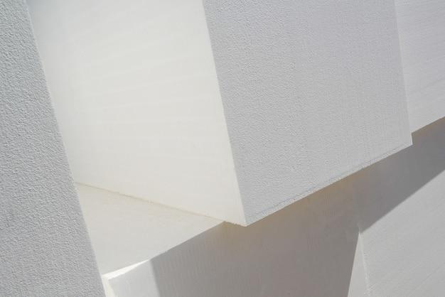 Cubi impilati di polistirolo industriale, primo piano