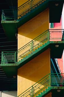 Architettura di scale nella città di bilbao in spagna