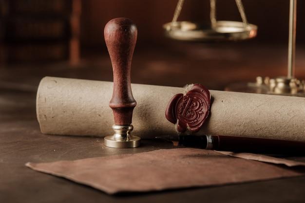 Timbro, busta, primo piano del testamento. strumenti notarili